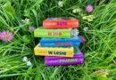 """Kartonowa seria książek dla maluchów """"Czyj to głos?"""" – Wydawnictwo AKSJOMAT"""
